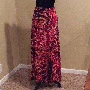 Wildfire Maxi Skirt. Elastic waist XL Allie&Rob